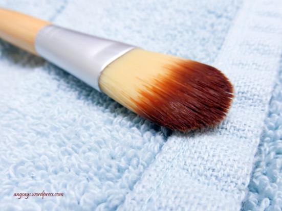 wash-makeup-brushes