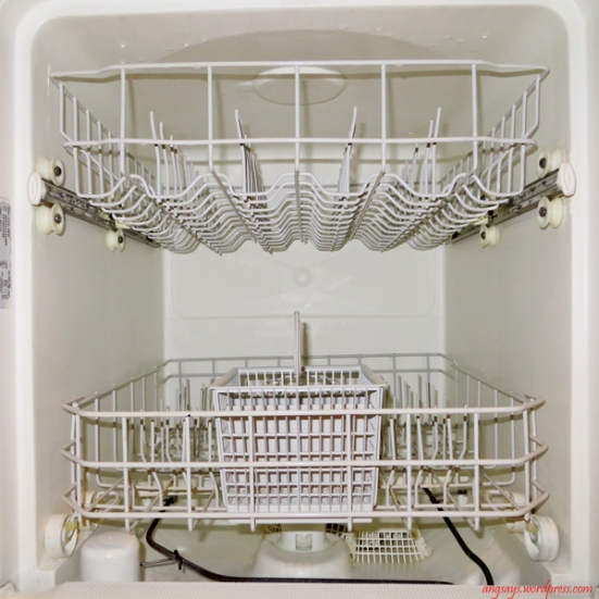 clean-dishwasher-naturally