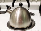 How to De-scale a Kettle {the fast and easy way}