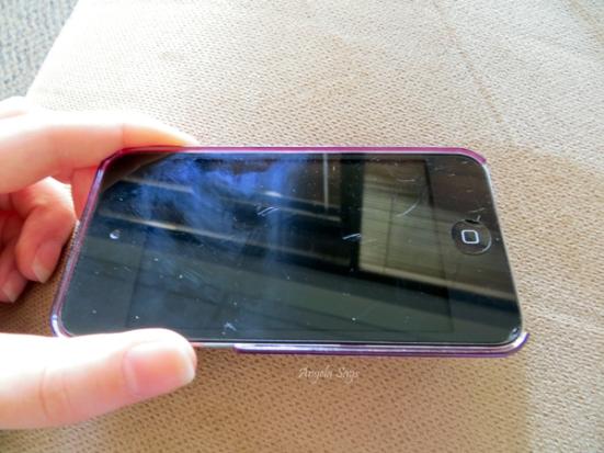 Clean an Iphone Screen