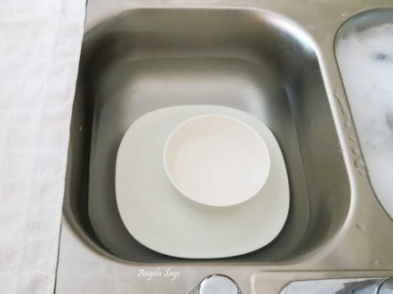 wash-dishes-by-hand